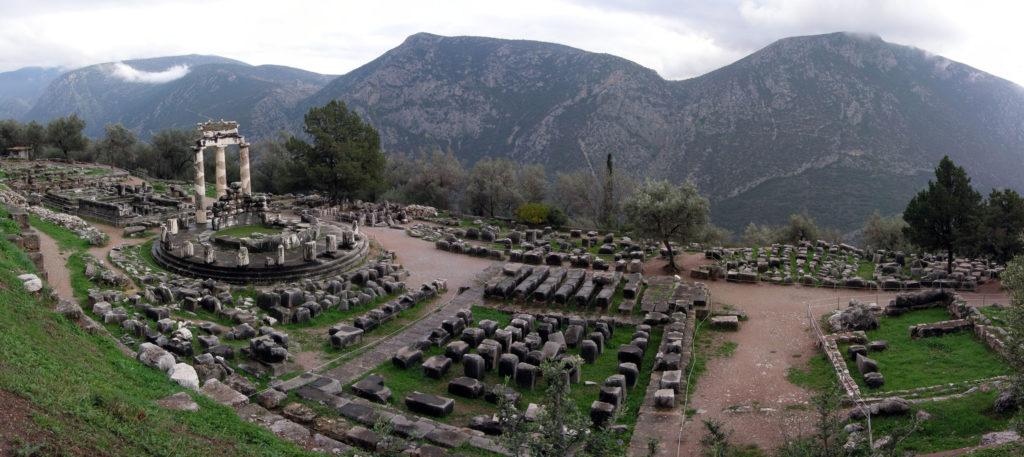 Athina Pronaia Sanctuary at Delphi by Luarvick